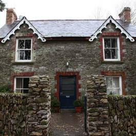 Mrs. Walsh's Cottage a lovely house with a cosy open fire at Ballymaloe Cookery School